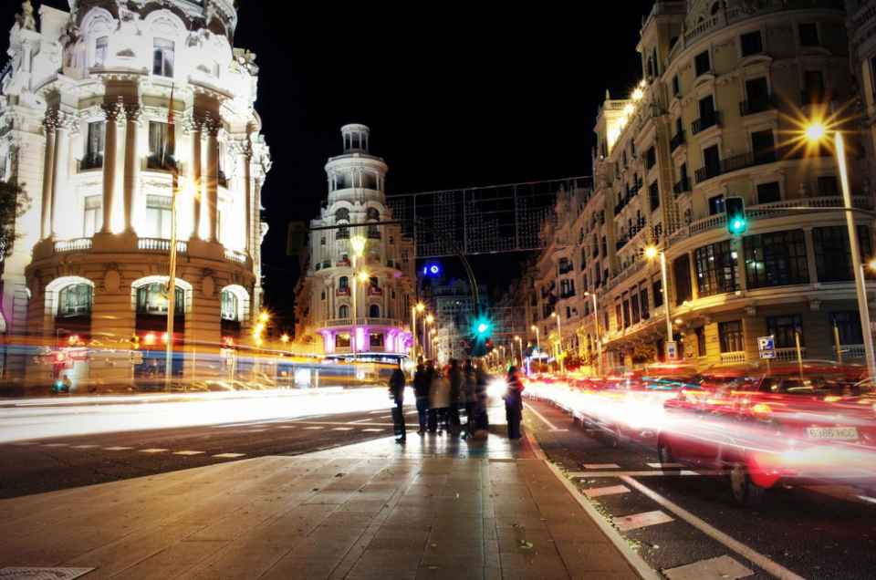 Bright Lights, Big City: Shooting at Night With the NX300
